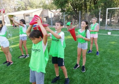 stage multi-sports enfants jeux eau